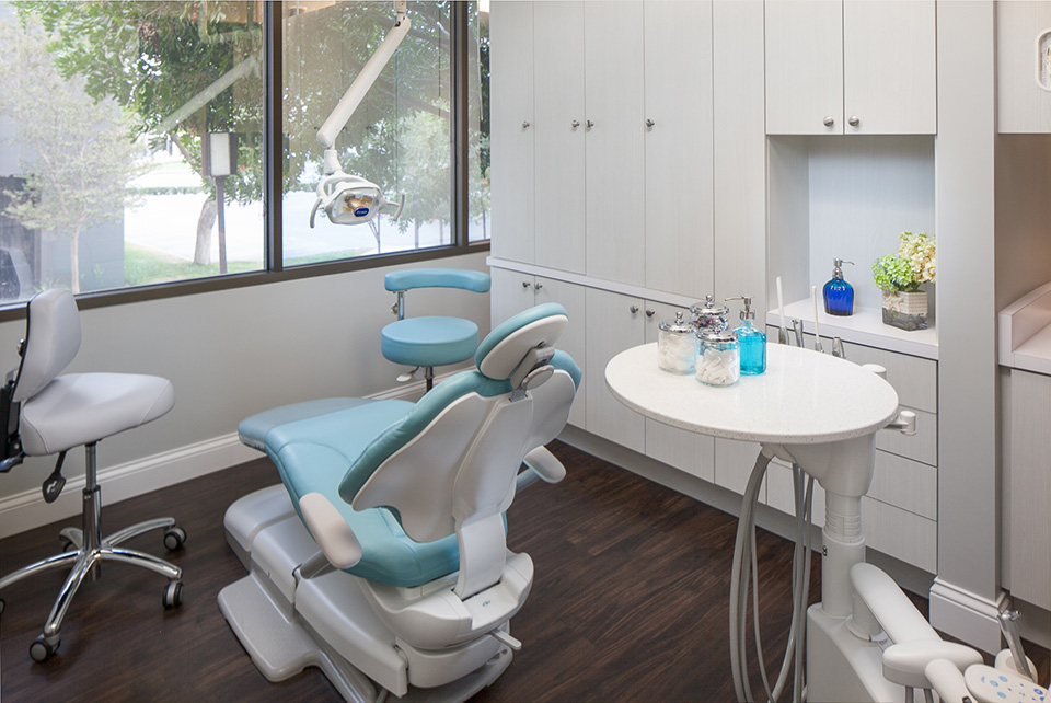 newport-beach-cosmetic-dentist